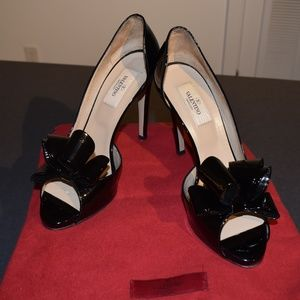 *WORN ONCE* Black Valentino Heels with Bow Detail